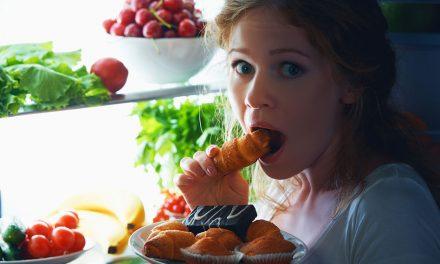 Comer à noite engorda? Descubra agora!